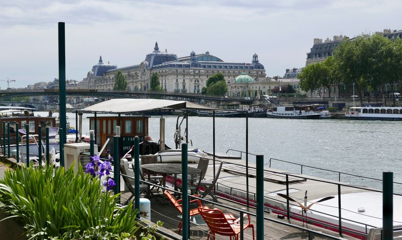 <strong>Paris: Four hours along the Seine. </strong>