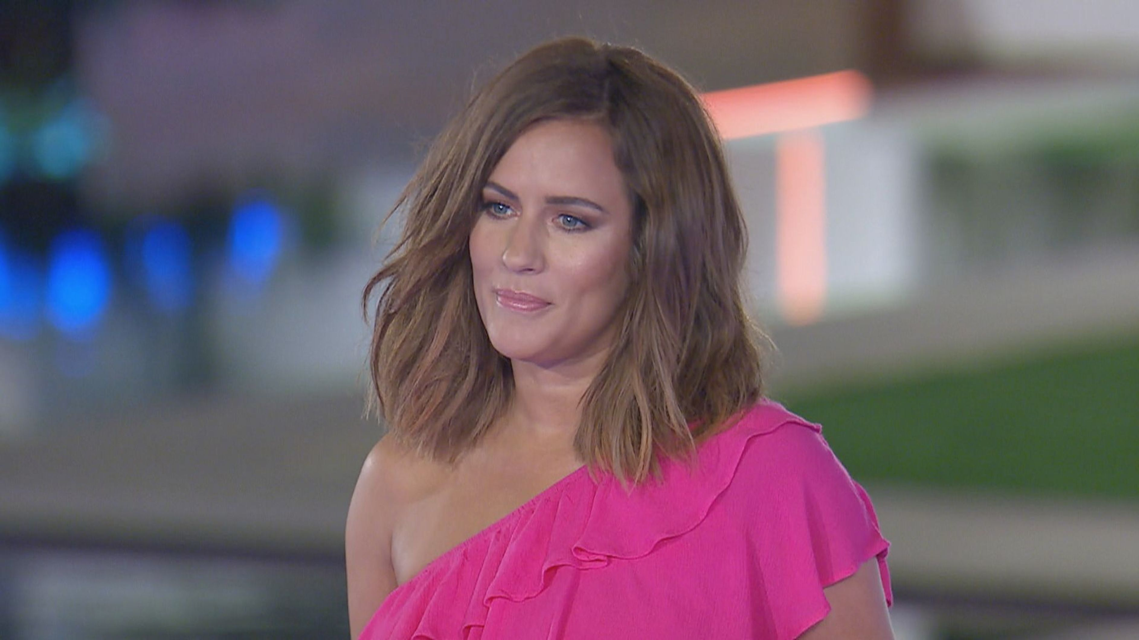 'Love Island' Host Caroline Flack Claims Show 'Portrays Unrealistic Body
