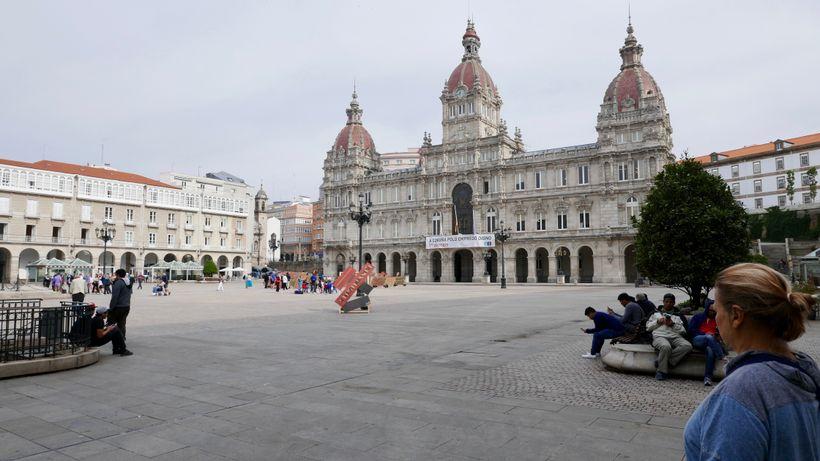 <strong>La Coruna, Spain: The square at city hall.</strong>