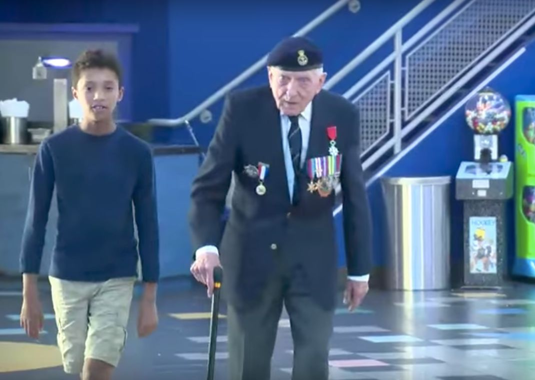 Dunkirk Veteran Weeps At Film Premiere: 'It Was Just Like I Was There