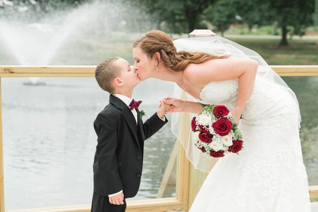 Such a sweet shot of the bride and her