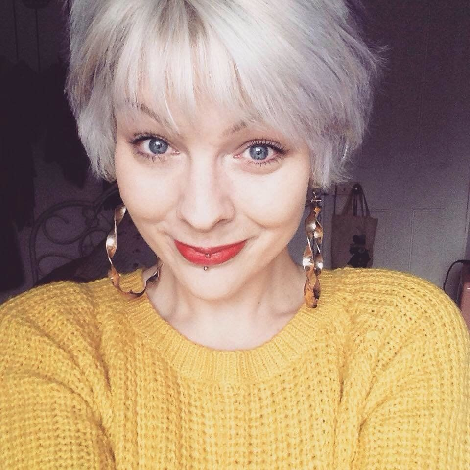 Woman Aims To Write One Million Lovely Letters To Strangers Offering Them