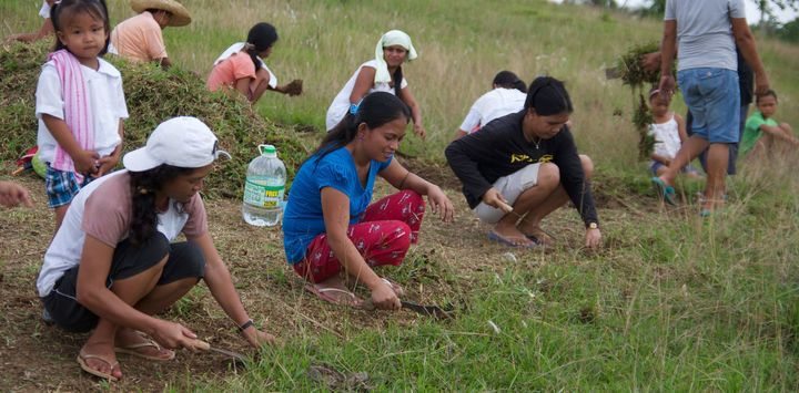 Extreme weather and conflict have a particularly accute impact on female farmers in the Philippines.