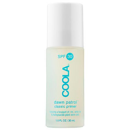 Many primers tend to clog your pores while leaving you with a greasy residue. This classic primer by COOLA does the exact opp