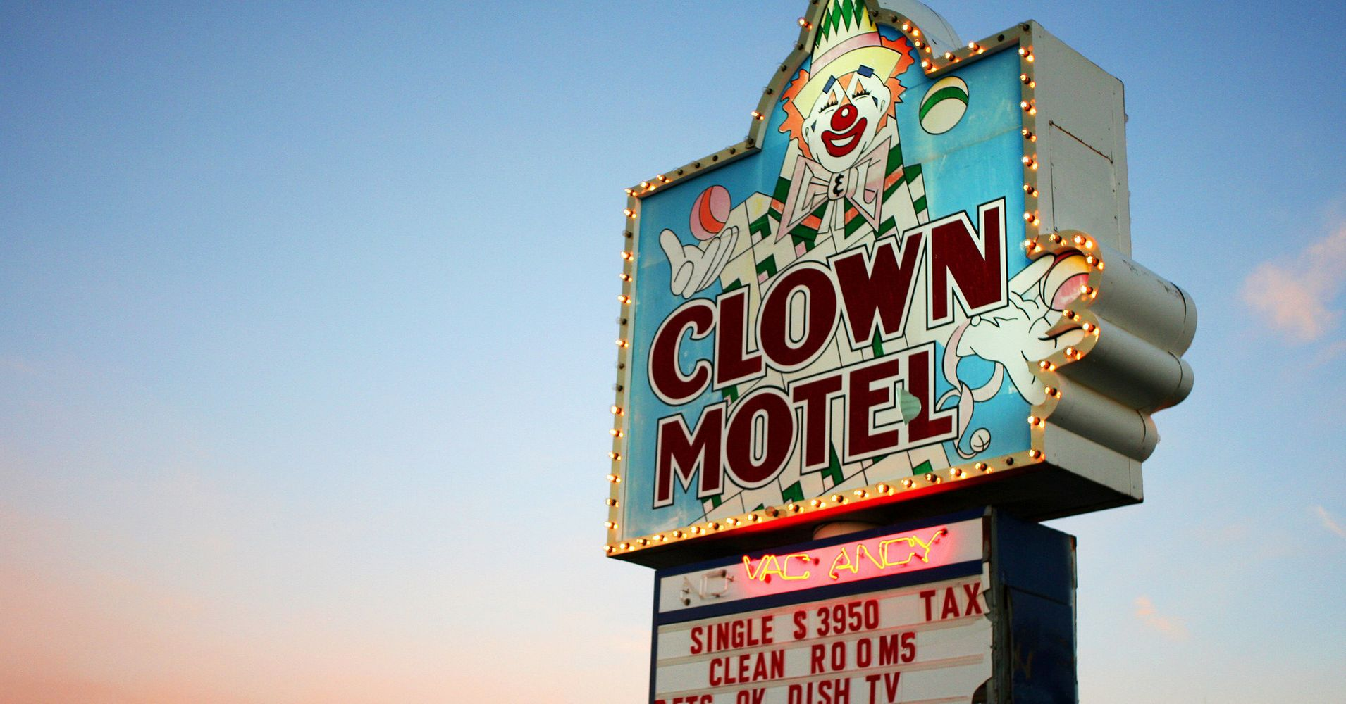 This Creepy Clown Motel Can Now Be Yours Huffpost