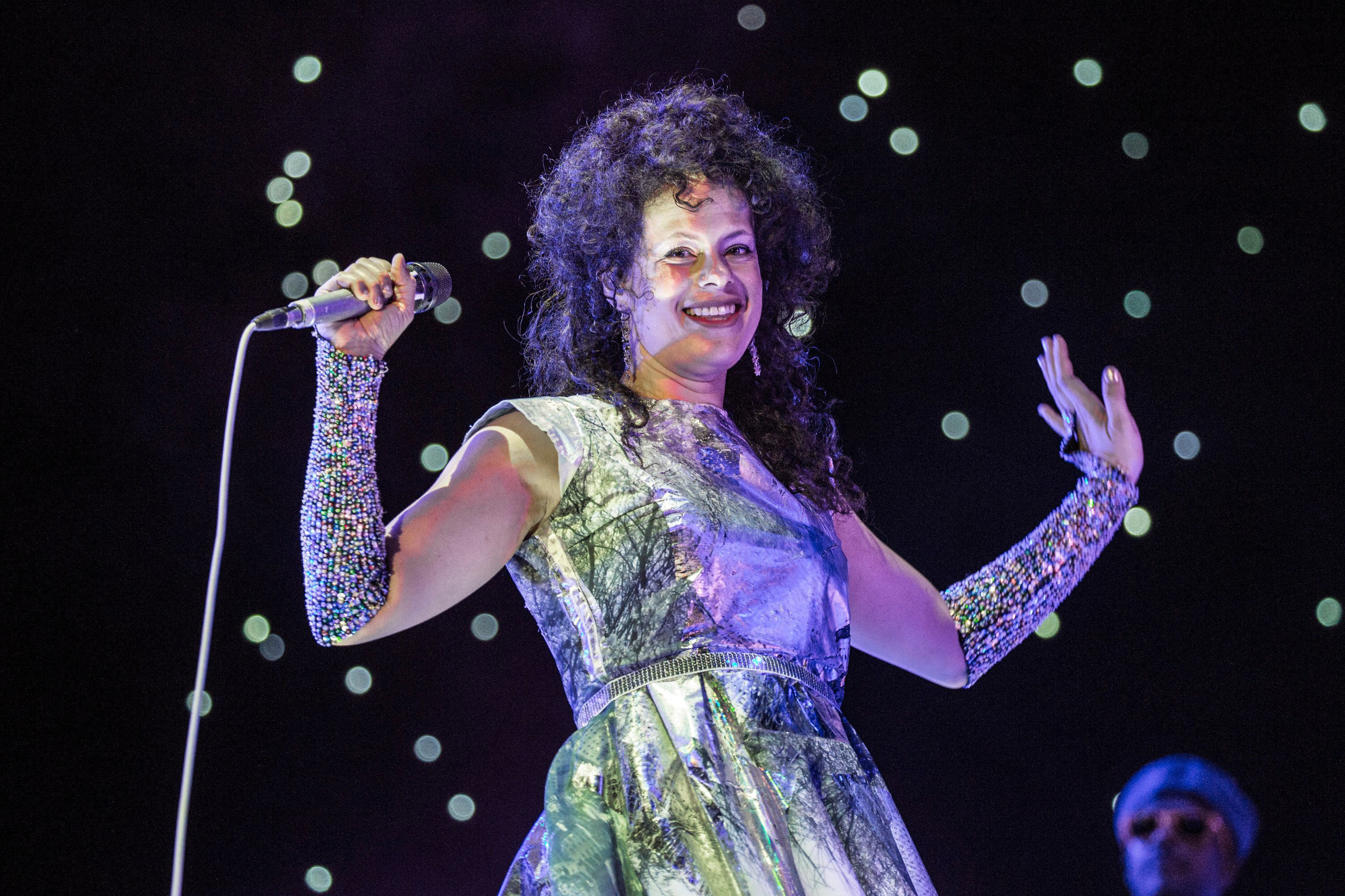 LISBOA CDP, PORTUGAL - JULY 09:  Regine Chassagne from Arcade Fire performs at NOS Alive on July 9, 2016 in Lisboa CDP, Portugal.  (Photo by Rob Ball/WireImage)