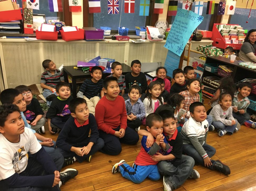 Kids in the Casa San Jose community participate in an after-school program at Beechwood Elementary in 2015.