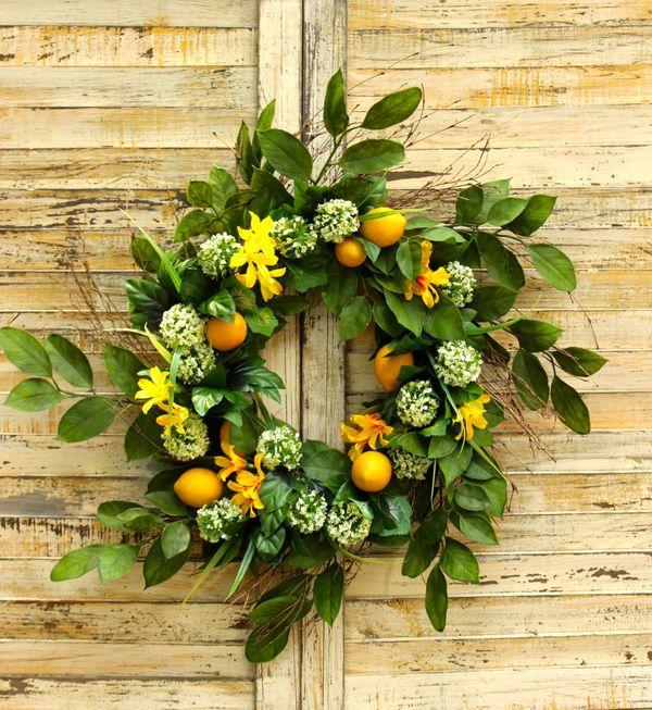 "<strong><a href=""https://www.etsy.com/listing/288973385/lemon-wreath-summer-wreath-lemon-door?ga_order=most_relevant&ga_s"