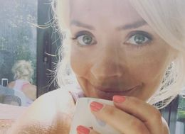 Holly Willoughby Shares Photo Of Her Shadow And Mums Can Relate