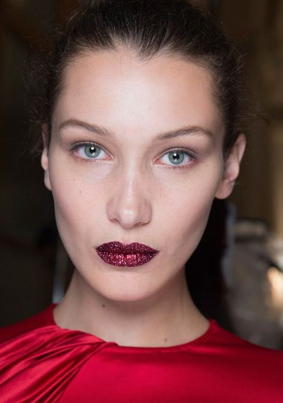 Glitter Lips Are One Of The Rising Beauty Trends Of