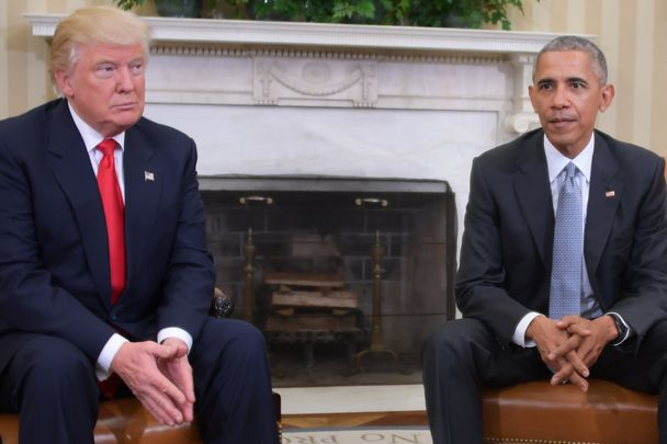 US President Barack Obama meets with President-elect Donald Trump to update him on transition planning in the Oval Office at the White House on November 10, 2016 in Washington,DC.  / AFP / JIM WATSON        (Photo credit should read JIM WATSON/AFP/Getty Images)