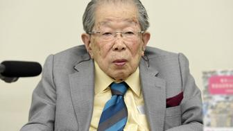 Japanese doctor Shigeaki Hinohara attends a news conference in Tokyo, Japan in this photo taken by Kyodo on September 25, 2015.  Mandatory credit Kyodo via REUTERS ATTENTION EDITORS - THIS IMAGE WAS PROVIDED BY A THIRD PARTY. MANDATORY CREDIT. JAPAN OUT. NO COMMERCIAL OR EDITORIAL SALES IN JAPAN.