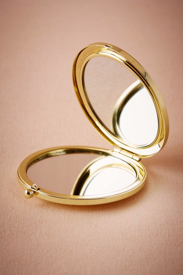 "<a href=""http://www.bhldn.com/bridal-party-bridesmaid-gifts/gold-compact-mirror/productOptionIDS/d6588c0c-04f9-46b0-b5da-0086"