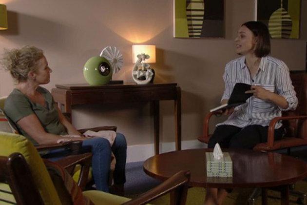 'EastEnders' Hints At Mental Health Storyline For Recent Returnee Lisa
