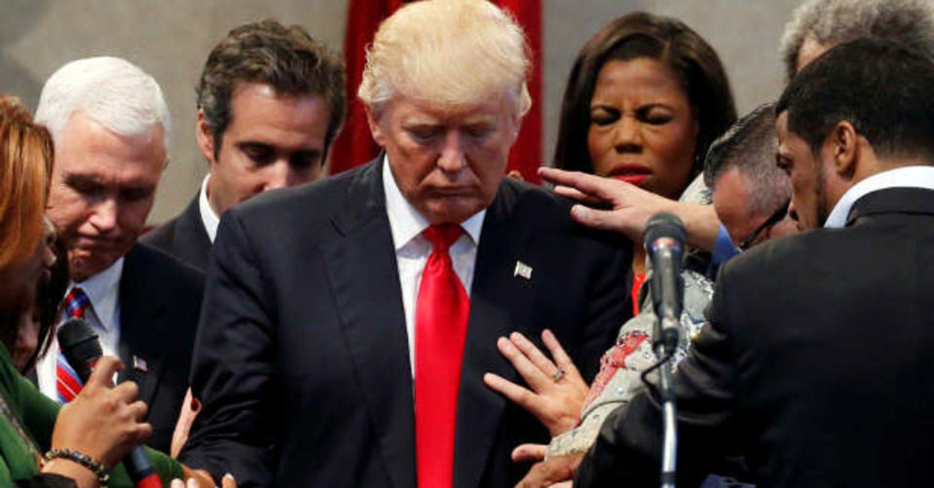Resultado de imagem para donald trump and pastors