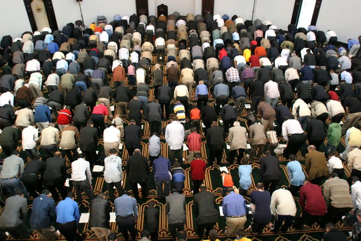 Several thousand Muslims gather in prayer at the Islamic Center of America to celebrate Eid al-Fitr November 4, 2005 in Dearb