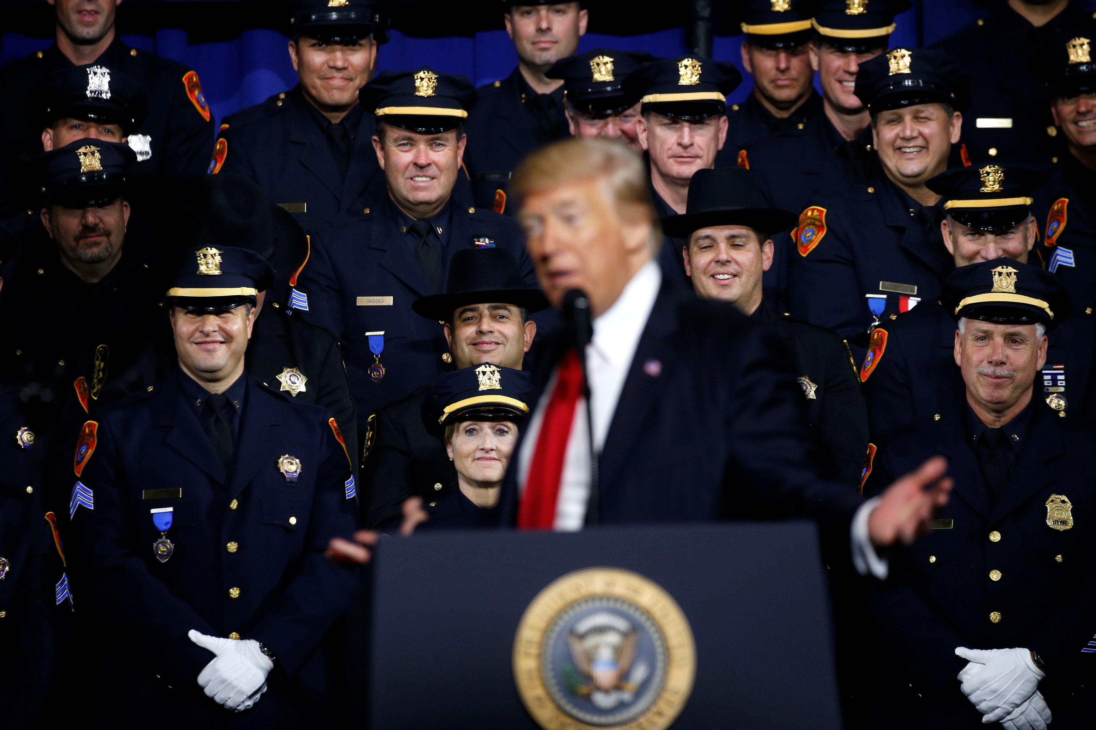 Trump Praises Law Enforcement in Fighting MS-13 Gang