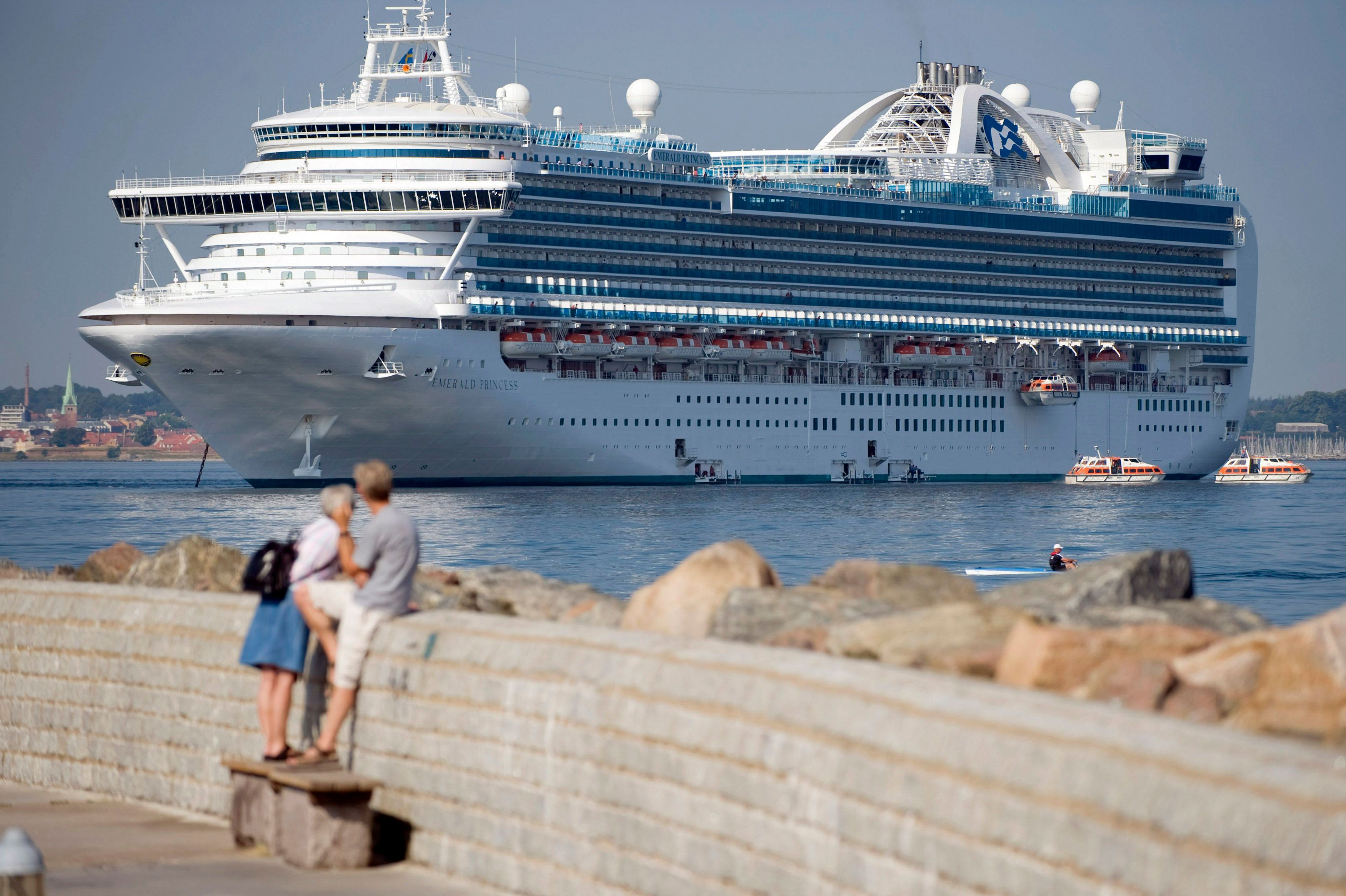 The Bermudan cruise ship Emerald Princess anchors in Helsingborg harbor, southern Sweden July 4, 2009. A total of 13 crew members and one passenger were diagnosed with the H1N1 flu virus and quarantined on board when the ship visited Helsinki on June 28. REUTERS/Scanpix Sweden/Bjorn Lindgren (SWEDEN HEALTH TRAVEL) SWEDEN OUT. NO COMMERCIAL OR EDITORIAL SALES IN SWEDEN. NO COMMERCIAL USE