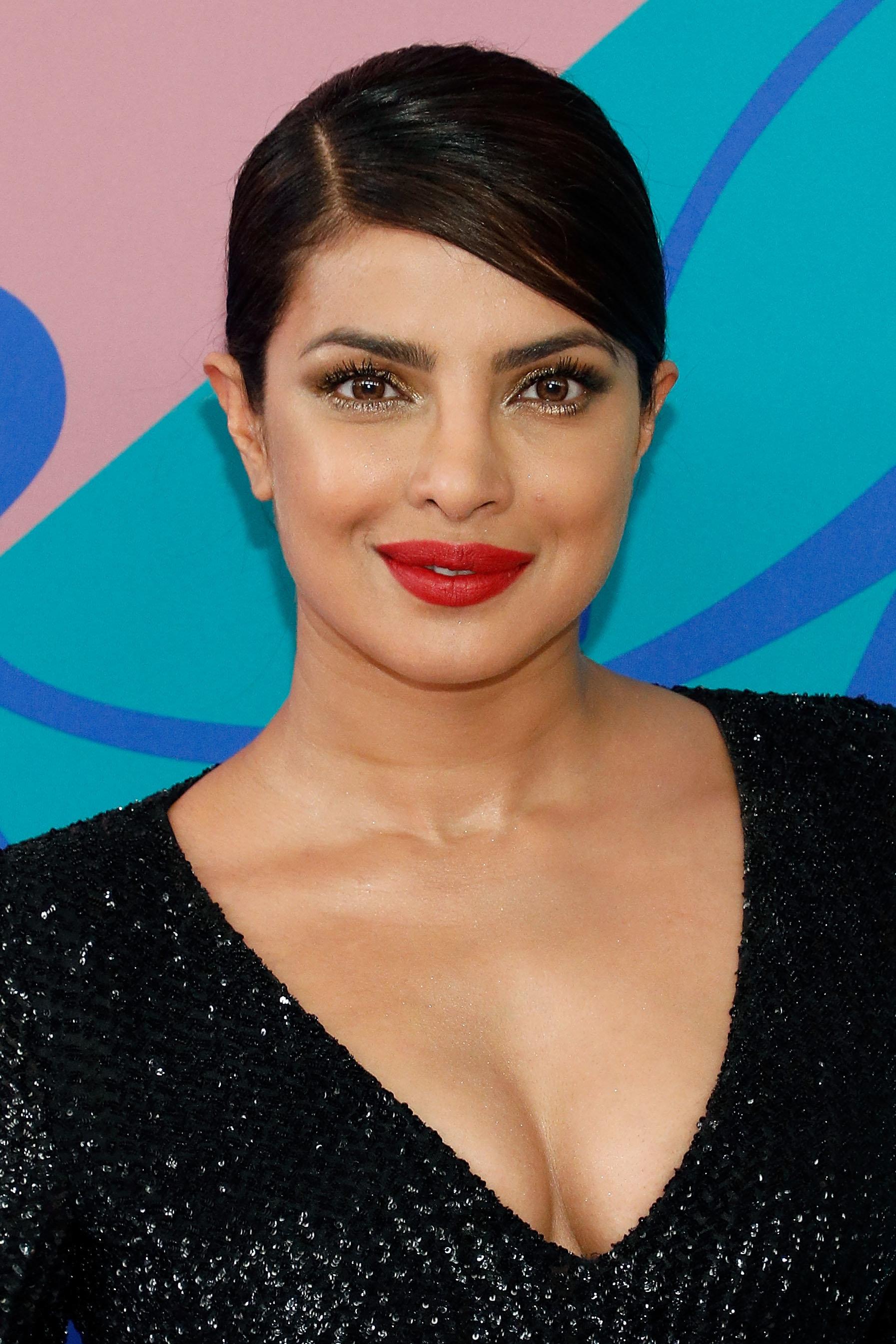 A Bollywood Sitcom With Priyanka Chopra Is Coming To