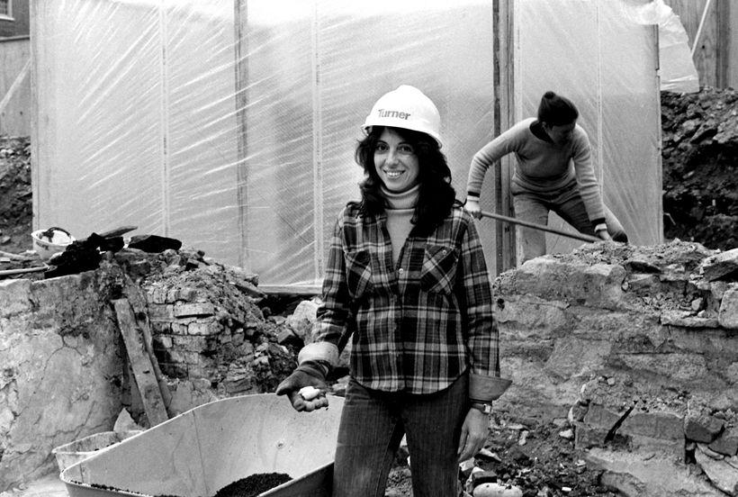 "<a rel=""nofollow"" href=""http://anthropology.columbia.edu/people/profile/387"" target=""_blank"">Dr. Nan Rothschild</a>, Adjunct"