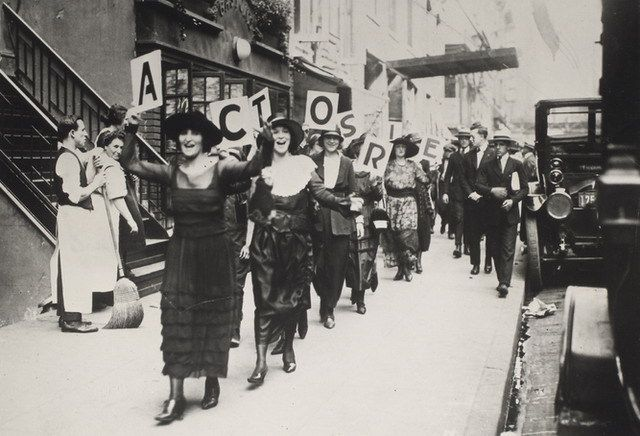 Actors on strike in the 1930s.