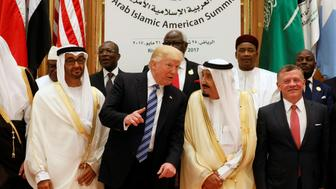 (Front R-L) Jordan's King Abdullah II, Saudi Arabia's King Salman bin Abdulaziz Al Saud, U.S. President Donald Trump, and Abu Dhabi Crown Prince Sheikh Mohammed bin Zayed al-Nahyan pose for a photo during Arab-Islamic-American Summit in Riyadh, Saudi Arabia May 21, 2017. REUTERS/Jonathan Ernst