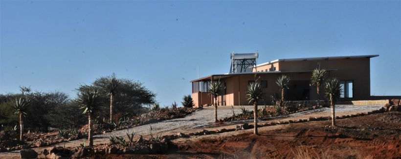 "<a rel=""nofollow"" href=""http://www.cheetahecolodge.com/"" target=""_blank"">Cheetah View Lodge</a>"