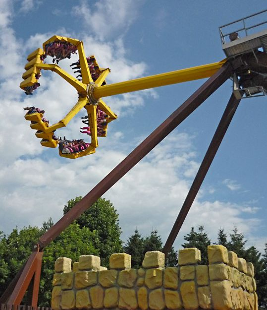 Lightwater Valley theme park has closed its Eagle Claw ride following the
