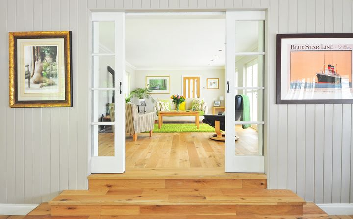 "<a href=""http://www.huffingtonpost.com/entry/pantone-color-of-the-year_us_5849a327e4b04002fa80480a"" target=""_blank"">""Greenery""</a> is the overlooked color that will work in every room of your home."