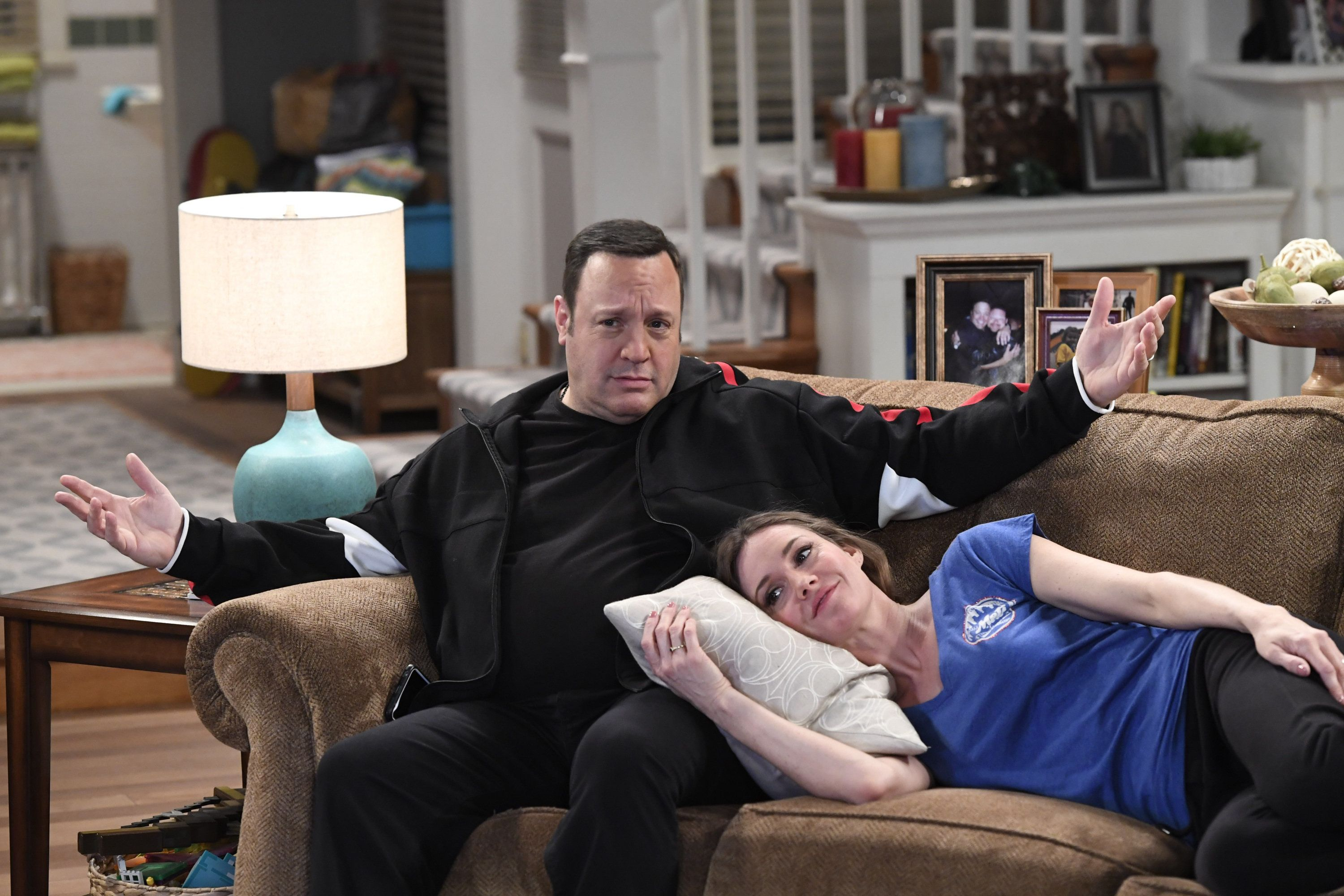 """Good thing Kevin James and Erinn Hayes didn't get too cozy. Her """"Kevin Can Wait"""" character is being killed off."""