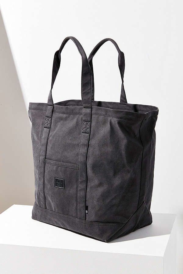 "<a href=""https://www.urbanoutfitters.com/shop/herschel-supply-co-bamfield-mid-volume-tote-bag?color=001&quantity=1&si"