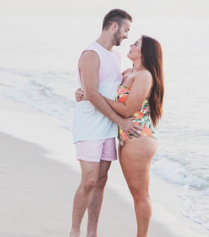 Husband's Love Note To His 'Curvy' Wife Should Be Required