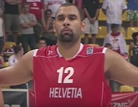 Benfica basketball player Nicolas dos Santos helped restrain angry beach-goers from the pilot and his