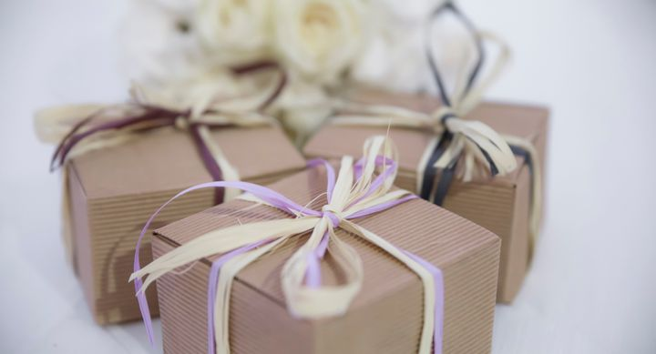 Last minute wedding gifts thatll arrive by the weekend huffpost ludovica bastianini eyeem via getty images negle Choice Image