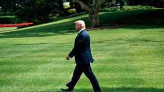 US President Donald Trump walks to Marine One on the South Lawn of the White House August 3, 2017, in Washington, DC. The president is traveling to Huntington, West Virginia, for a rally. Special counsel Robert Mueller has impaneled a grand jury to investigate Russia's interference with the 2016 presidential election, The Wall Street Journal reported on August 3 -- an important step toward potential criminal charges. / AFP PHOTO / Brendan Smialowski        (Photo credit should read BRENDAN SMIALOWSKI/AFP/Getty Images)