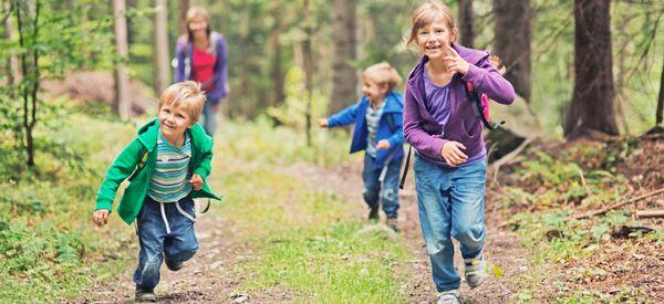 8 Ways To Make A Family Walk Fun