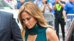 Jennifer Lopez's Gorgeous Dress Has A Surprising Peek-A-Boo