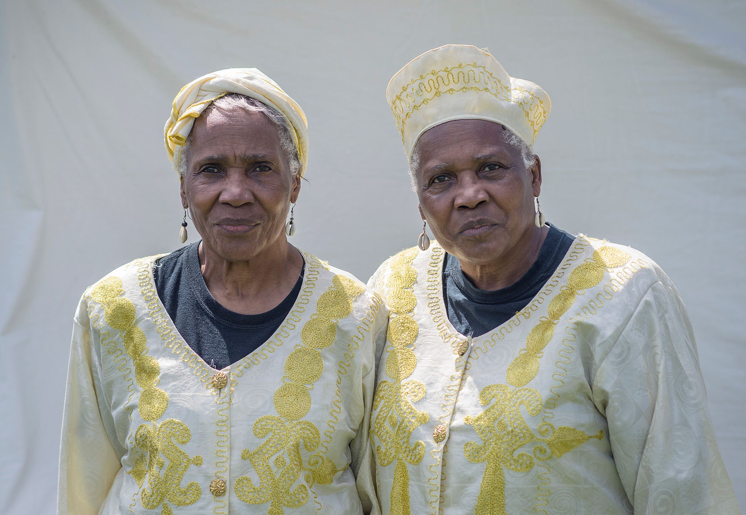 USA, Twinsburg. ohio. August 4, 2017.  Arnette (left) en Anette Avery (70 years) African-American twins who also are part Schotch-Irish and part Cherokee. © Teake Zuidema