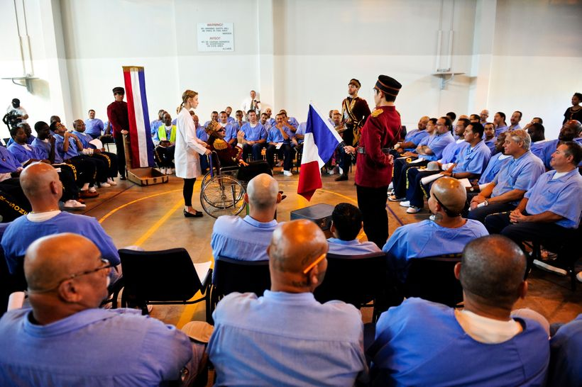 """The San Diego's Old Globe Theater performs the Shakespearian classic play """"All's Well That Ends Well"""" to inmates at the Centi"""