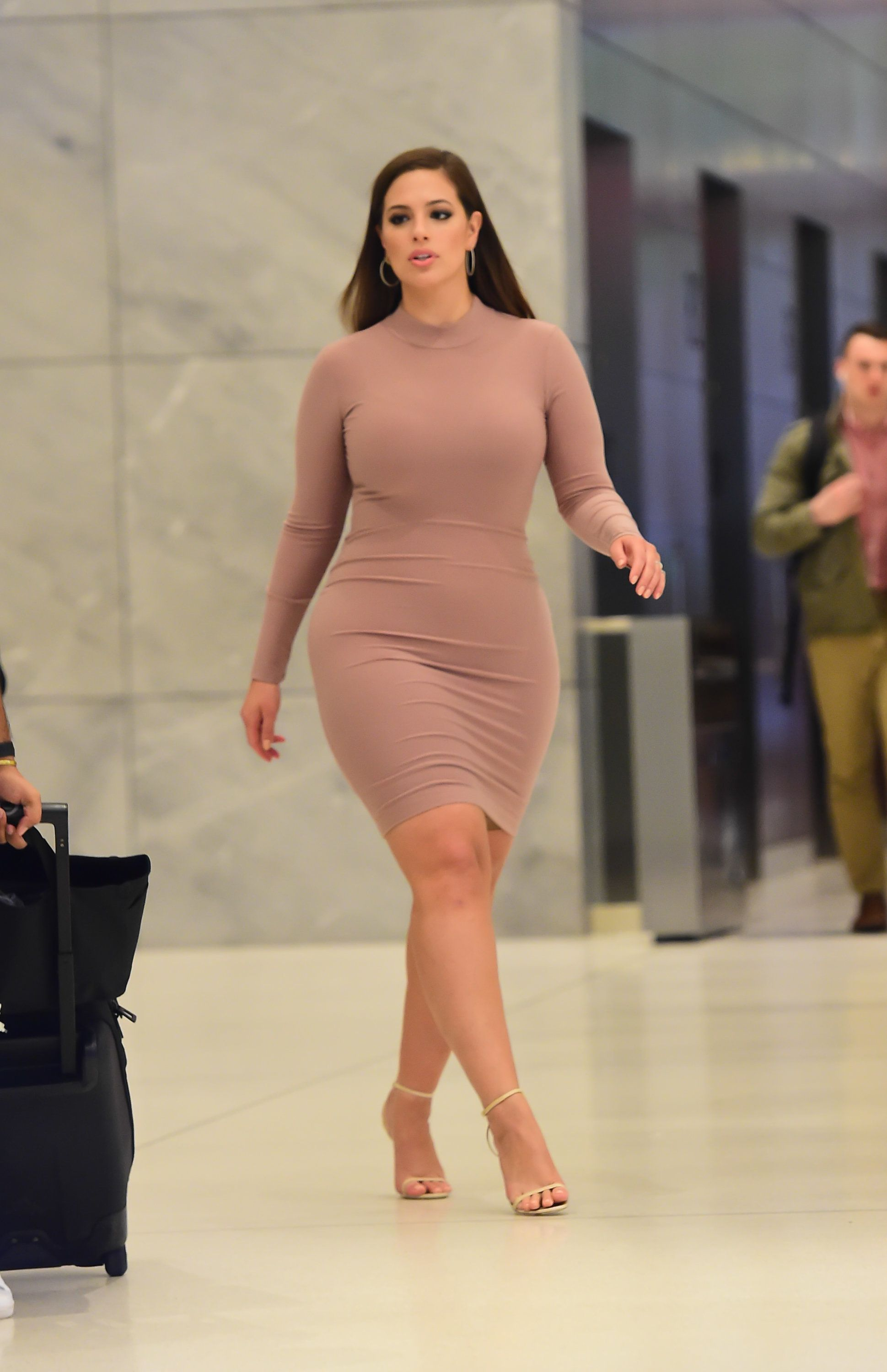 Why We Should Care That No Designer Would Dress Curvy Model Ashley Graham For The Met