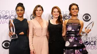 ABC drama series Grey's Anatomy cast (L-R) Kelly McCreary, Ellen Pompeo, Sarah Drew and Camilla Luddington pose backstage with the awards for Favorite TV Drama and Favorite TV Character We Miss Most during the 2015 People's Choice Awards in Los Angeles, California January 7, 2015.  REUTERS/Danny Moloshok  (UNITED STATES-Tags: ENTERTAINMENT)(PEOPLESCHOICE-BACKSTAGE)