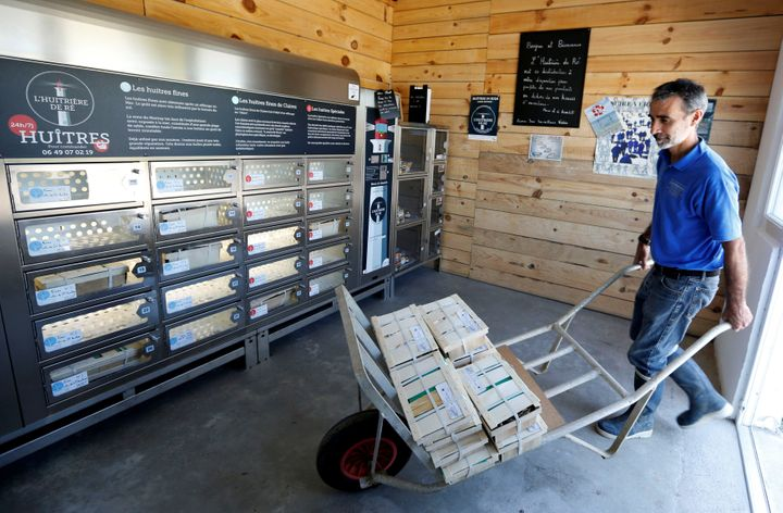 Image result for Oyster farmers on the Île de Ré are using refrigerated vending machines