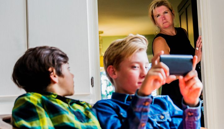 5 Ways Tech Might Be Eroding Your Kids' Manners, Empathy And
