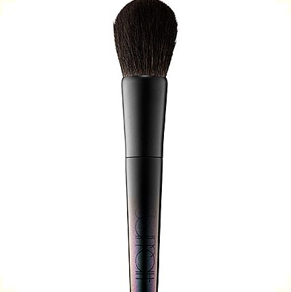 "<a href=""http://www.sephora.com/artistique-face-brush-P394816?skuId=1672955&icid2=products%20grid:p394816"" target=""_blank"