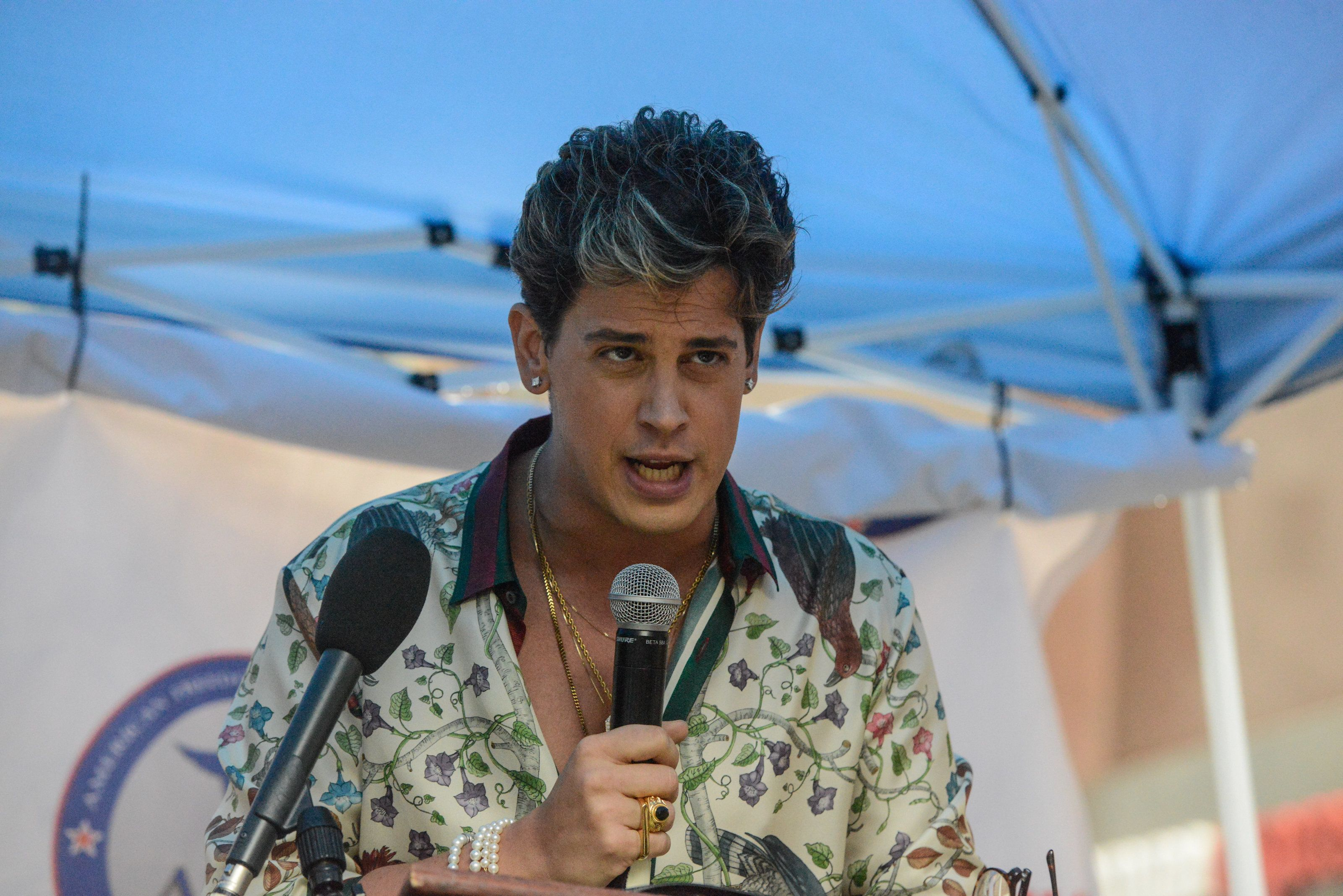 NEW YORK, NY - APRIL 25: Milo Yiannopoulos speaks at an Alt Right protest of Muslim activist Linda Sarsour on April 25, 2017 in New York City. (Photo by Stephanie Keith/Getty Images)