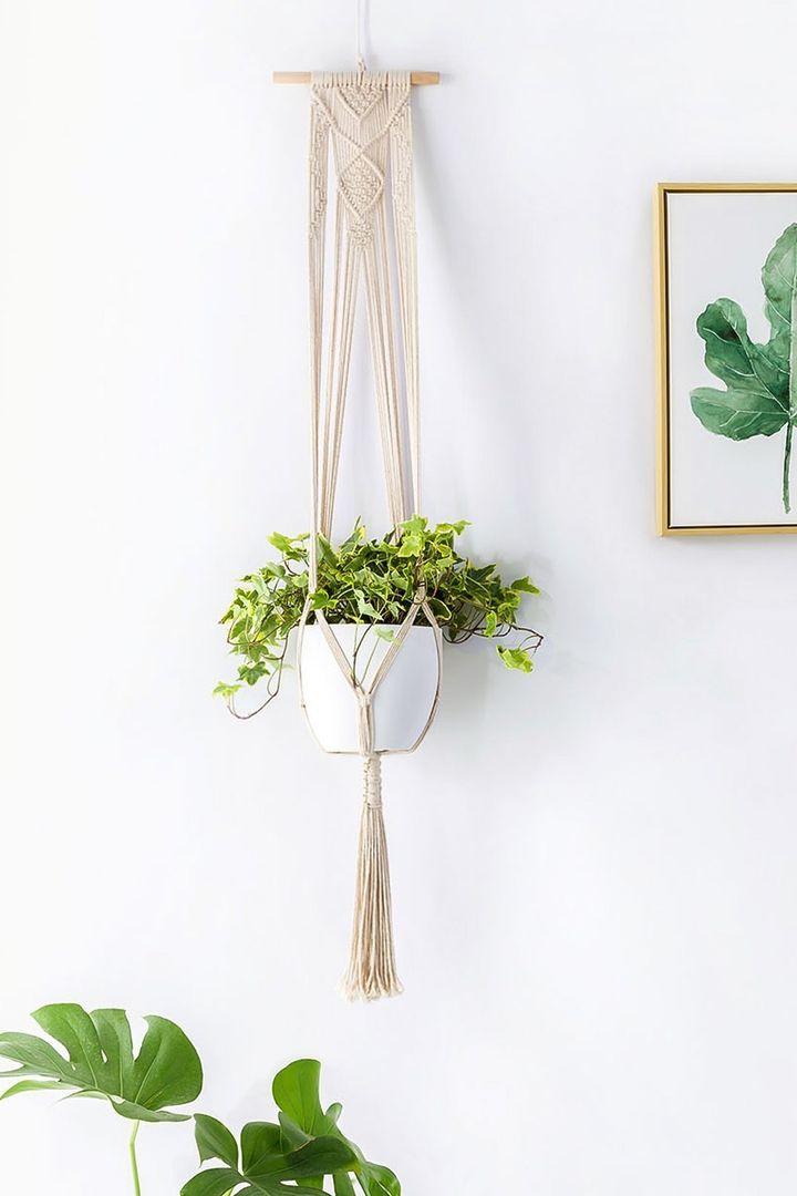 "Macrame hanging planter -- <a href=""https://www.amazon.com/Mkono-Macrame-Hanger-Hanging-Planter/dp/B06XKBVG42/ref=sr_1_5?amp="