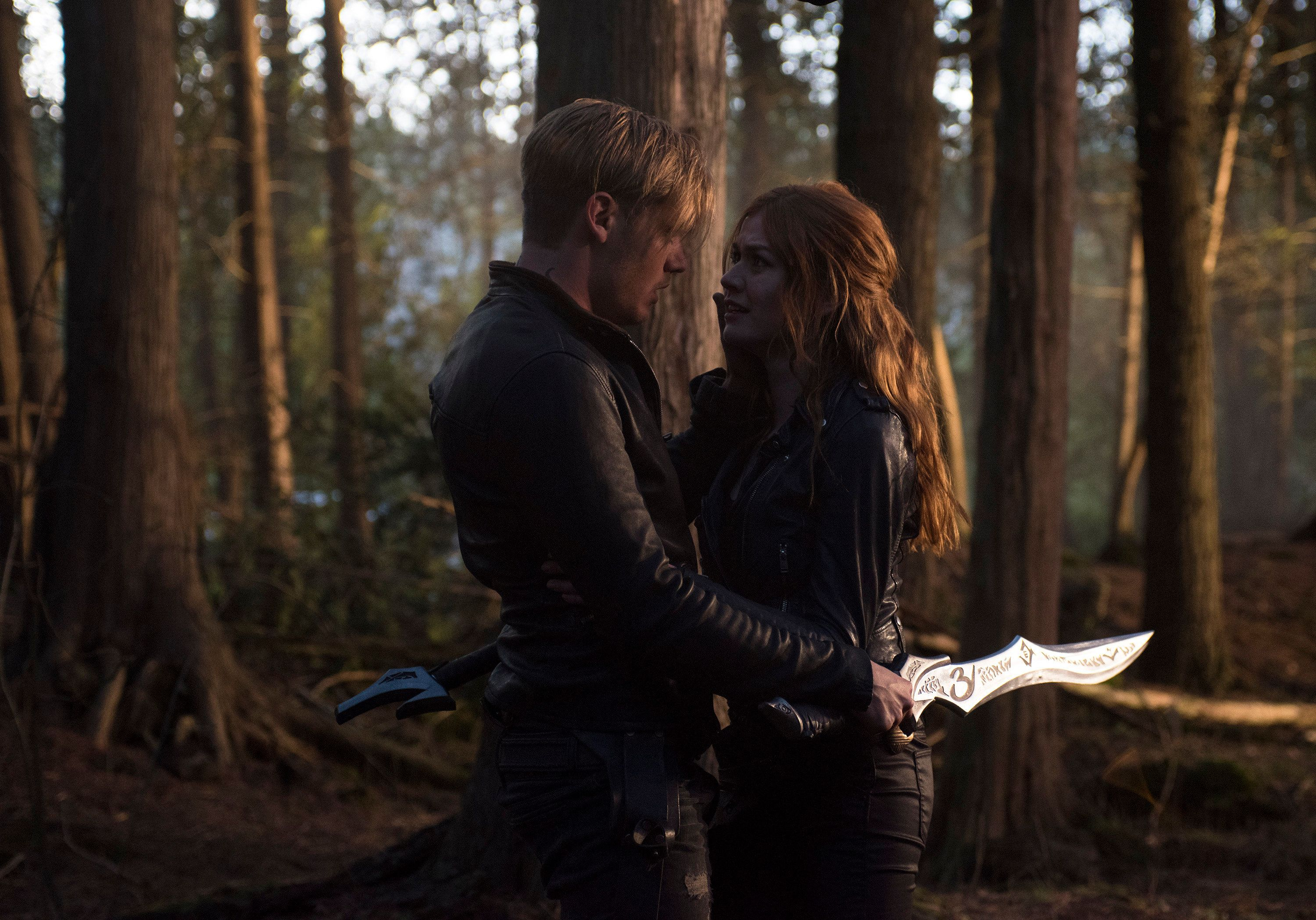 SHADOWHUNTERS - �Beside Still Water� - Shadowhunters are divided as Alec and Isabelle battle a swarm of demons attacking the city, as Jace and Clary must head to make a final stand in �Beside Still Water,� the season finale of �Shadowhunters� airing on Monday, Aug. 14th at 8:00 - 9:00 PM ET/PT. (Freeform/John Medland)DOMINIC SHERWOOD, KATHERINE MCNAMARA