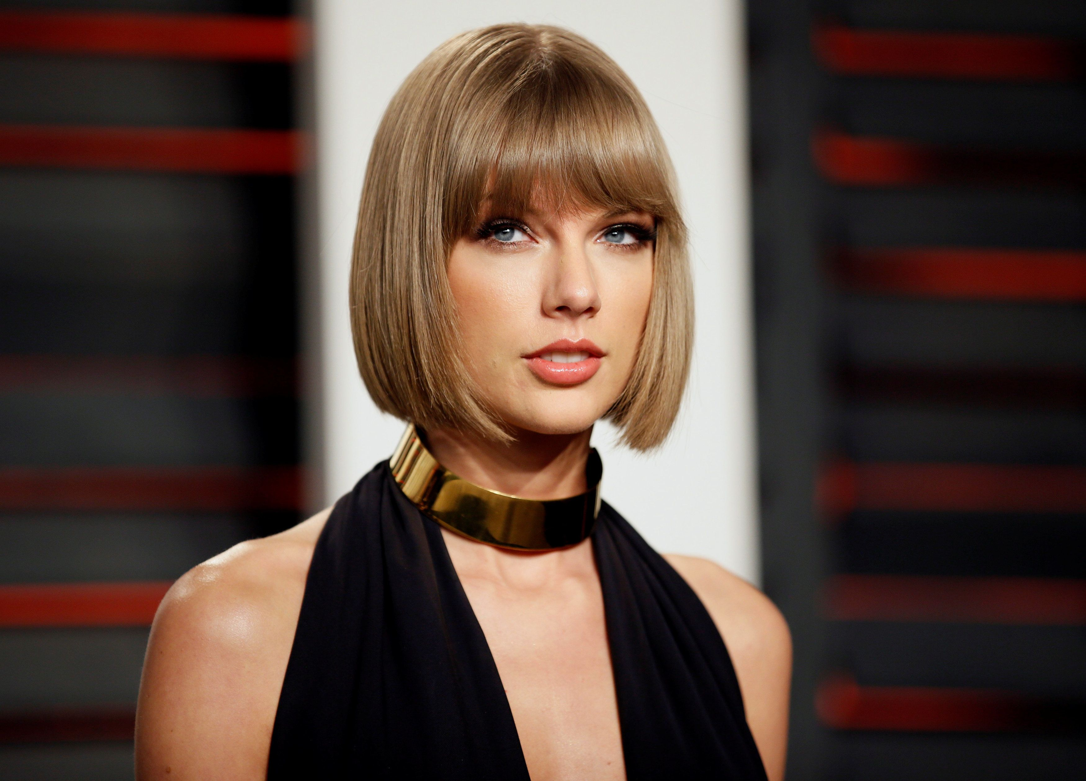 Swift arrives at the Vanity Fair Oscar Party in Beverly Hills, California February 28,