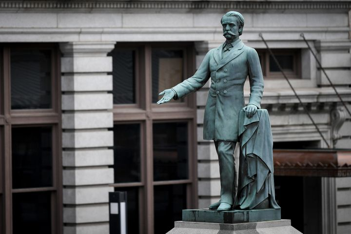 Lexington Mayor Jim Gray wants to remove two statues -- including one of former U.S. vice president and Confederate secretary