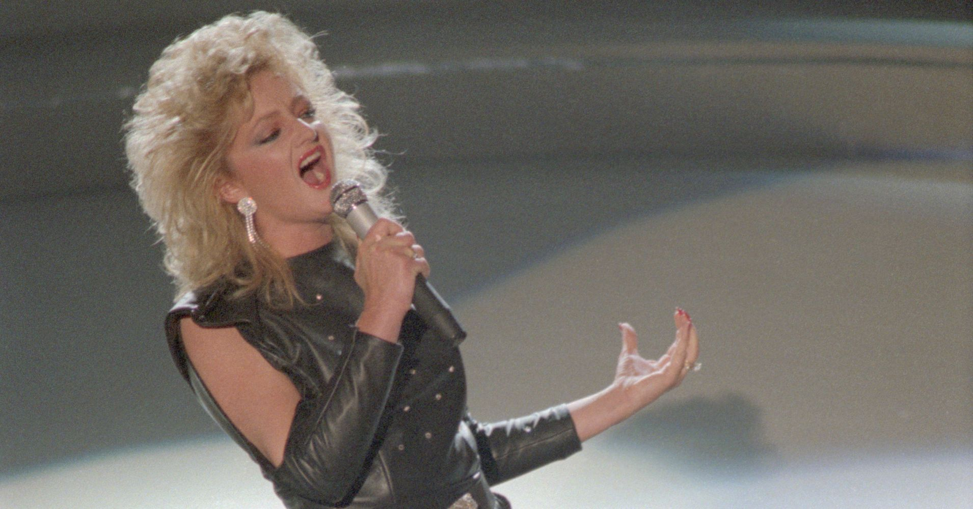 Bonnie Tyler Will Sing 'Total Eclipse of the Heart' During The Eclipse